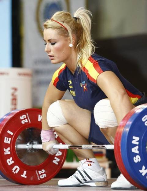 dancer practicing weightlifting